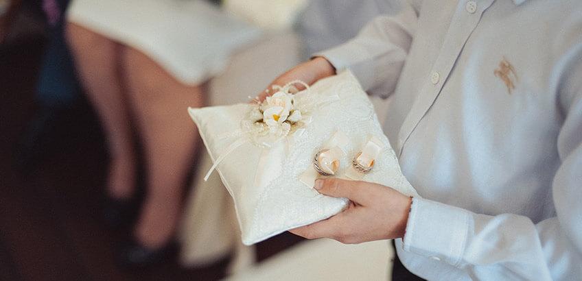 記念撮影も! 結婚式を彩るリングガール&リングボーイ