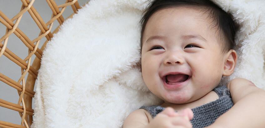 赤ちゃんの成長記録にぴったり! 今人気の「月齢フォト」とは?